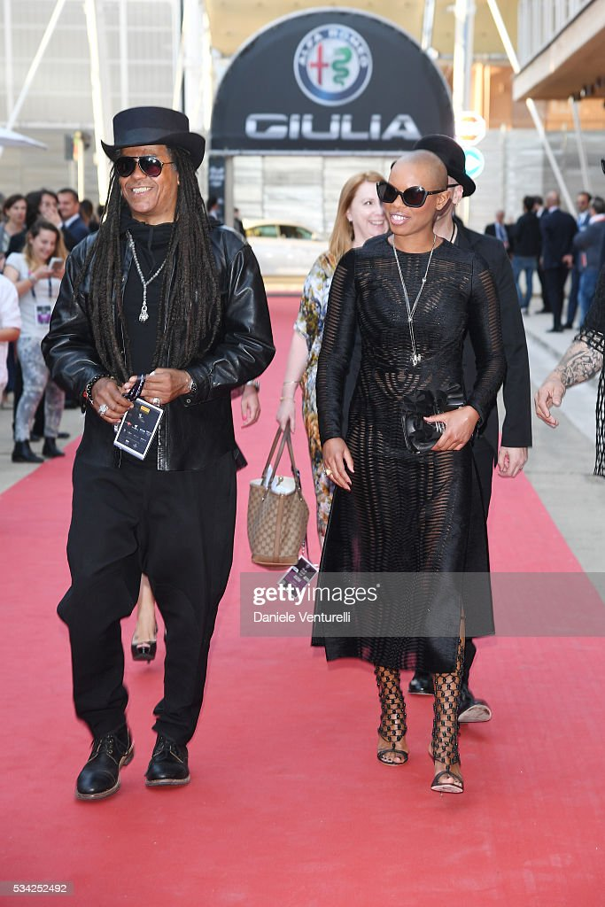 Cass and <a gi-track='captionPersonalityLinkClicked' href=/galleries/search?phrase=Skin+-+Singer&family=editorial&specificpeople=5129372 ng-click='$event.stopPropagation()'>Skin</a> of Skunk Anansie walk the red carpet of Bocelli and Zanetti Night on May 25, 2016 in Rho, Italy.
