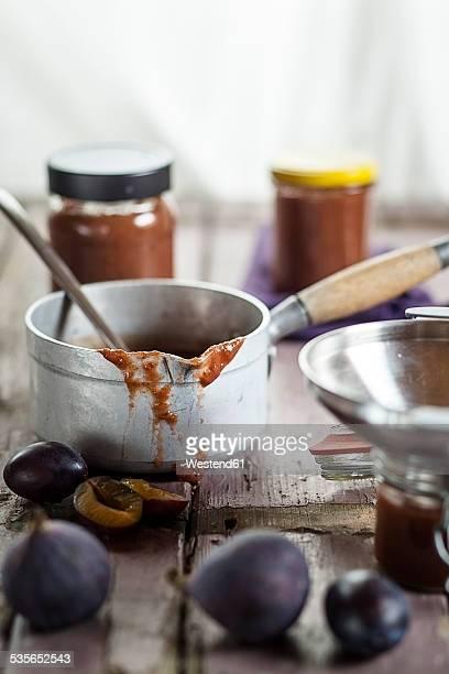 Casserolle of plum fig jam