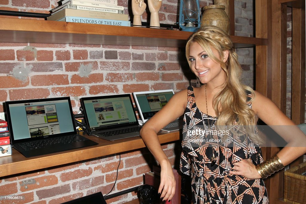 <a gi-track='captionPersonalityLinkClicked' href=/galleries/search?phrase=Cassie+Scerbo&family=editorial&specificpeople=4436795 ng-click='$event.stopPropagation()'>Cassie Scerbo</a> attends the Microsoft & Friends To Mankind Present: 18for18 Benefiting The Somaly Mam Foundation At The Microsoft Experience - Venice Beach on August 18, 2013 in Venice, California.