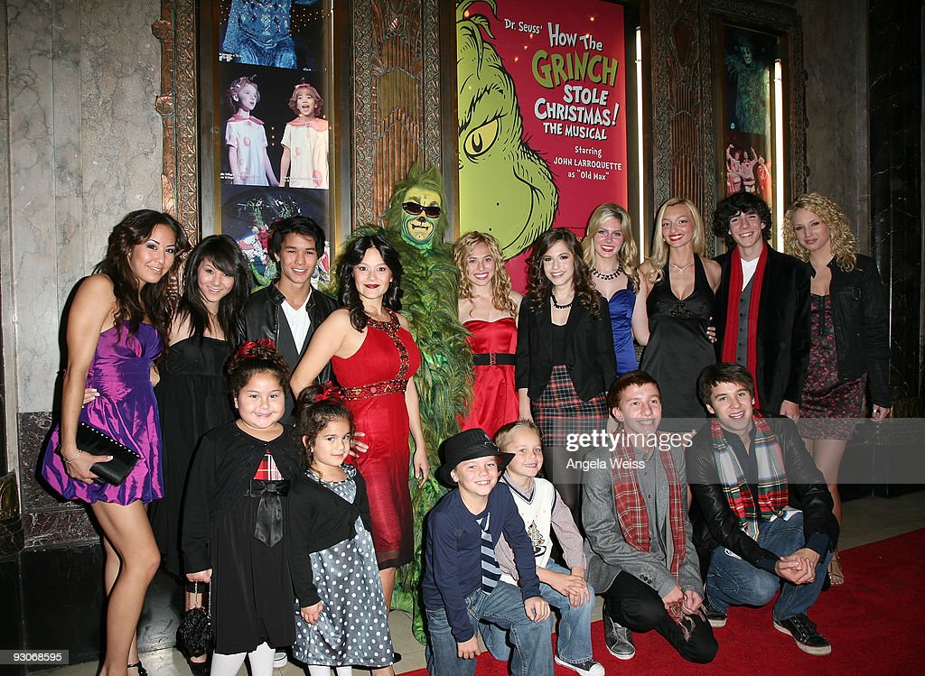 Cast and guests attend the Los Angeles premiere of Dr. Seuss' 'How The Grinch Stole Christmas' at the Pantages Theatre on November 14, 2009 in Los Angeles, California. (Photo by Angela Weiss/Getty Images