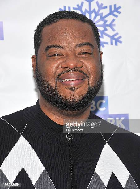Cast member of '30 Rock' Grizz Chapman attends the Rockefeller Center Annual Christmas Tree Lighting at the Rockefeller Center Cafe at Rockefeller...