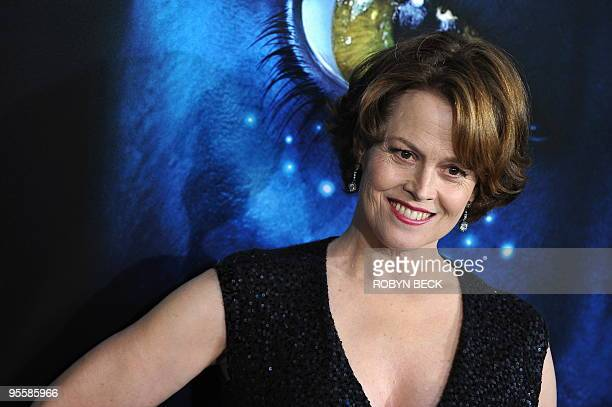 Cast member Sigourney Weaver arrives at the premiere of 'Avatar' at the Grauman's Chinese Theatre in the Hollywood section of Los Angeles California...