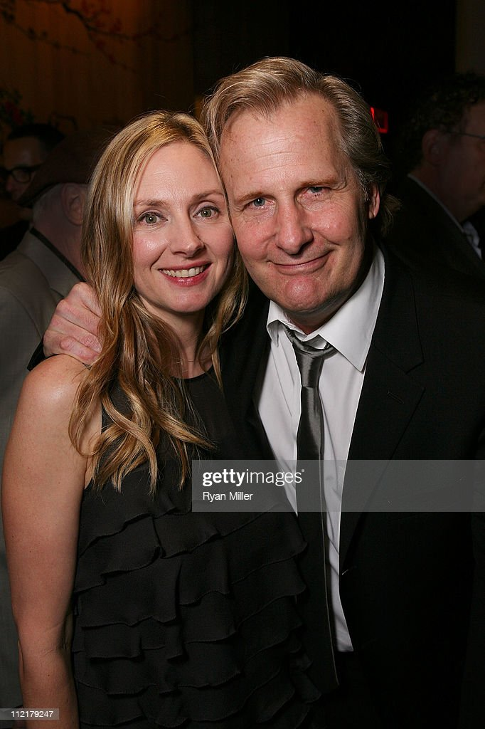 Cast members <a gi-track='captionPersonalityLinkClicked' href=/galleries/search?phrase=Hope+Davis&family=editorial&specificpeople=215202 ng-click='$event.stopPropagation()'>Hope Davis</a> (L) and Jeff Daniels (R) pose at the party for the opening night performance of 'God of Carnage' at Center Theatre Group's Ahmanson Theatre on April 13, 2011 in Los Angeles, California.