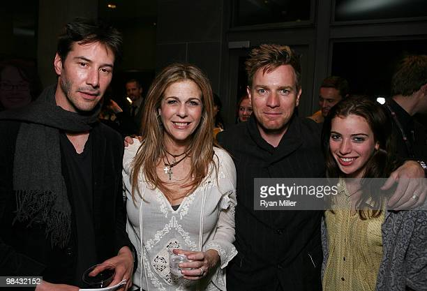 Cast members Keanu Reeves Rita Wilson Ewan McGregor and daughter Clara McGregor pose during the party for the performance of 'Much Ado About Nothing'...