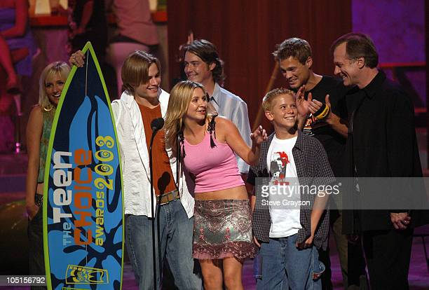 Cast members of '7th Heaven' winners of Choice TV Drama