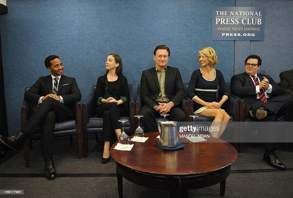 Cast members of NBC comedy '1600 Penn' are seen January 9, 2013 during a press conference at the National Press Club in Washington, DC. From left: Andre Holland, Martha MacIsaac, Bill Pullman, Jenna Elfman, and Josh Gad. AFP PHOTO/Mandel NGAN