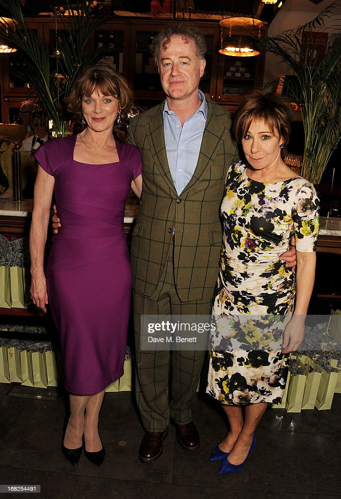 Cast members <a gi-track='captionPersonalityLinkClicked' href=/galleries/search?phrase=Samantha+Bond&family=editorial&specificpeople=209017 ng-click='$event.stopPropagation()'>Samantha Bond</a>, Owen Teale and <a gi-track='captionPersonalityLinkClicked' href=/galleries/search?phrase=Zoe+Wanamaker&family=editorial&specificpeople=224028 ng-click='$event.stopPropagation()'>Zoe Wanamaker</a> attend an after party following the press night performance of 'Passion Play' at The National Gallery on May 7, 2013 in London, England.