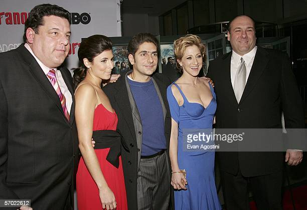 Cast members Steven R Schirripa JamieLynn Sigler Michael Imperioli Edie Falco and James Gandolfini arrive at the HBO Season Premiere Of 'The...