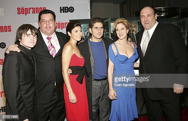 Cast membes Robert Iler Steven R Schirripa JamieLynn Sigler Michael Imperioli Edie Falco and James Gandolfini arrive at the HBO Season Premiere Of...