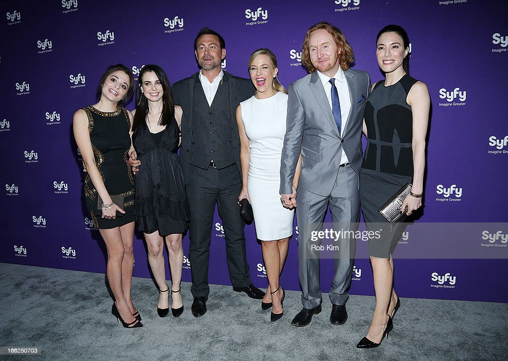 Cast of 'Defiance' <a gi-track='captionPersonalityLinkClicked' href=/galleries/search?phrase=Stephanie+Leonidas&family=editorial&specificpeople=716758 ng-click='$event.stopPropagation()'>Stephanie Leonidas</a>, <a gi-track='captionPersonalityLinkClicked' href=/galleries/search?phrase=Mia+Kirshner&family=editorial&specificpeople=233670 ng-click='$event.stopPropagation()'>Mia Kirshner</a>, <a gi-track='captionPersonalityLinkClicked' href=/galleries/search?phrase=Grant+Bowler&family=editorial&specificpeople=453292 ng-click='$event.stopPropagation()'>Grant Bowler</a>, <a gi-track='captionPersonalityLinkClicked' href=/galleries/search?phrase=Julie+Benz&family=editorial&specificpeople=217554 ng-click='$event.stopPropagation()'>Julie Benz</a>, <a gi-track='captionPersonalityLinkClicked' href=/galleries/search?phrase=Tony+Curran&family=editorial&specificpeople=626484 ng-click='$event.stopPropagation()'>Tony Curran</a> and <a gi-track='captionPersonalityLinkClicked' href=/galleries/search?phrase=Jaime+Murray+-+Actress&family=editorial&specificpeople=217455 ng-click='$event.stopPropagation()'>Jaime Murray</a> attend Syfy 2013 Upfront at Silver Screen Studios at Chelsea Piers on April 10, 2013 in New York City.