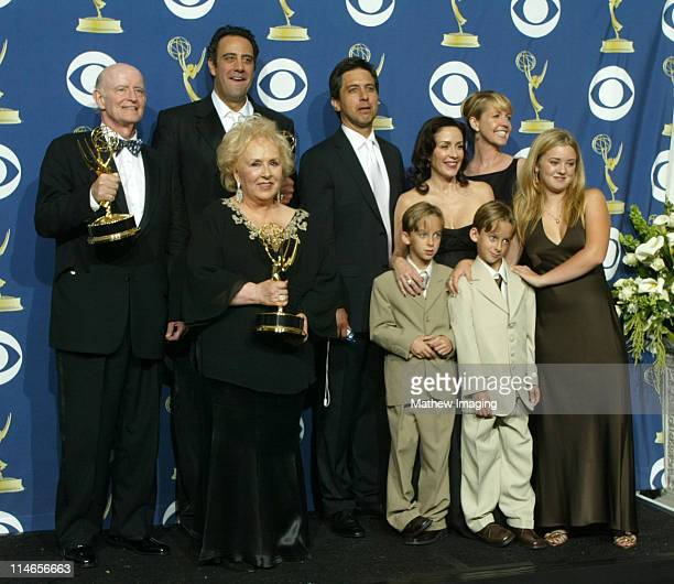 Cast of 'Everybody Loves Raymond' winner for Outstanding Comedy Series