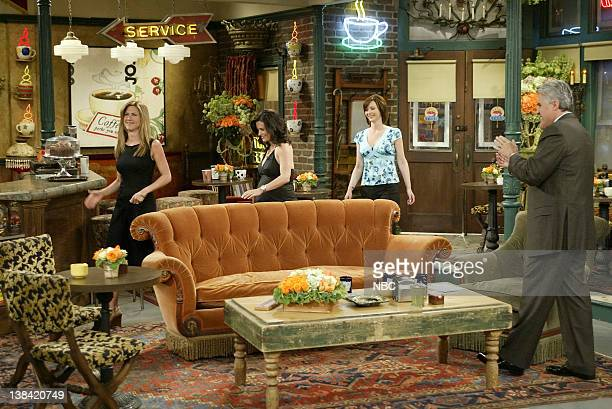 LENO Cast of Friends Air Date Episode 2705 Pictured Cast of Friends Jennifer Aniston Courteney Cox Lisa Kudrow arrive for an interview with host Jay...