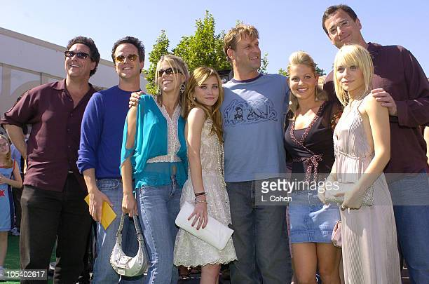 Cast of 'Full House' reunion Scott Weinger Jodie Sweetin MaryKate Olsen Dave Coulier Candace Cameron Bure Bob Saget and Ashley Olsen