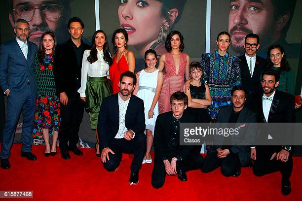 Cast of La Vida Inmoral De La Pareja Ideal premiere and red carpet at Teatro Metropolitano on October 19 2016 in Mexico City Mexico