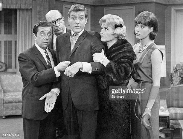 Cast of the Dick Van Dyke Show circa 1965