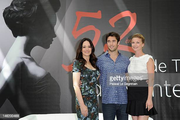 Cast of the TV Series 'Revenge' Madeleine Stowe Joshua Bowman and Emily Vancamp attend a photocall during the 52nd Monte Carlo TV Festival on June 12...