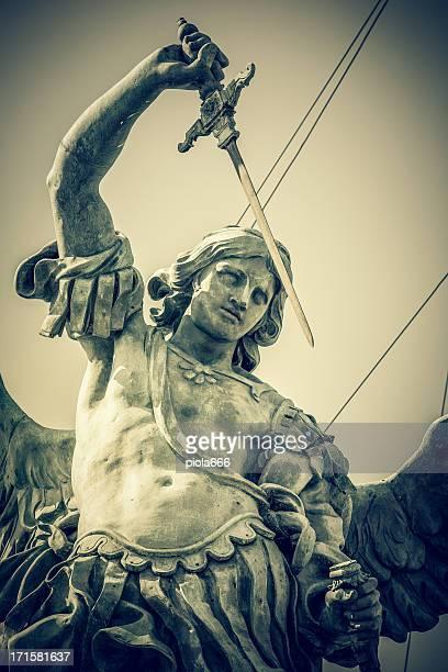Sant'Angelo Castel St. Michael estatua