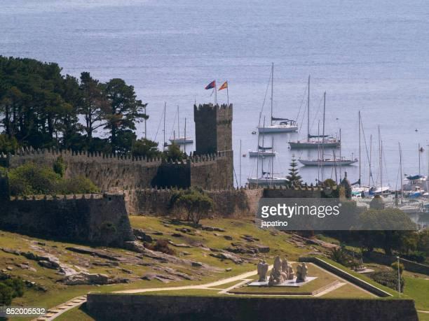 Castle and marina of Baiona.