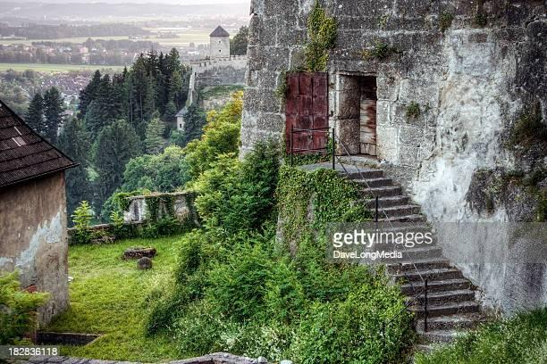 Schloss in den Alpen