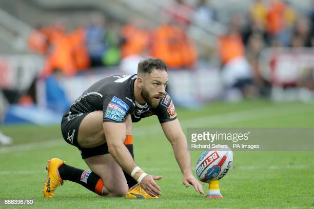 Castleford Tigers' Luke Gale prepares to kick during day two of the Betfred Super League Magic Weekend at St James' Park Newcastle