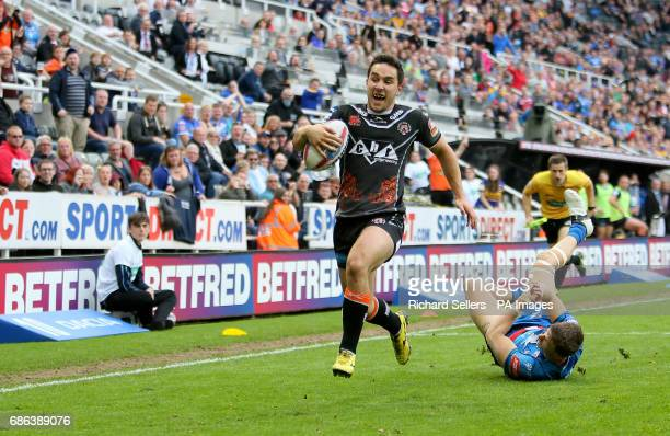 Castleford Tigers' Tom Holmes scores a try during day two of the Betfred Super League Magic Weekend at St James' Park Newcastle