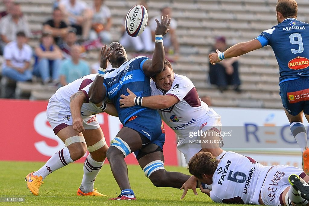 Castres France  city photos : Castres French flanker Ibrahim Diarra C collapses with Bordeaux's ...