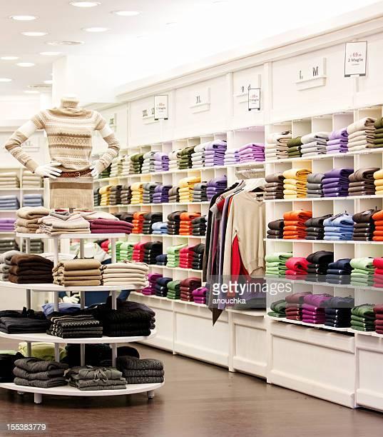 Boutique de vêtements décontractés à Milan, Italie