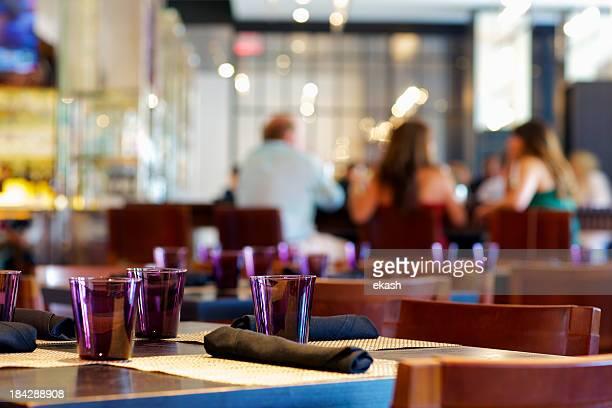 Dîner décontracté dans le restaurant américain haut de gamme