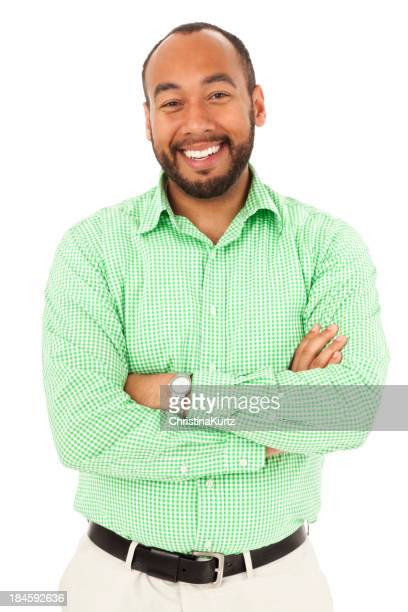 Leger und freundlich Erwachsener Mann mit Arme verschränkt lächelnd