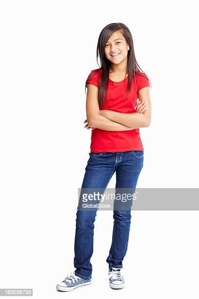 Casual fille avec les mains pliées sur blanc-copyspace