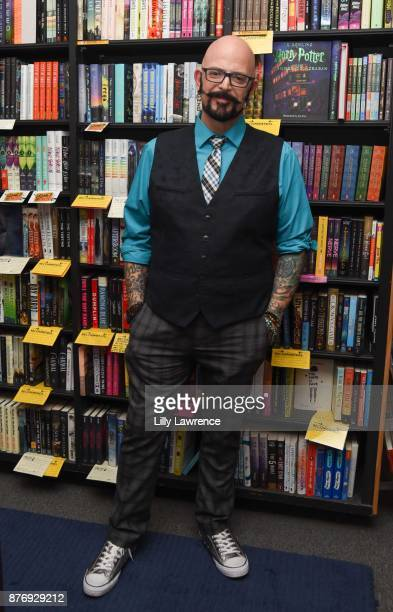 Cat behaviorist and television personality Jackson Galaxy attends book signing for his book 'Total Cat Mojo' at Book Soup on November 20 2017 in West...