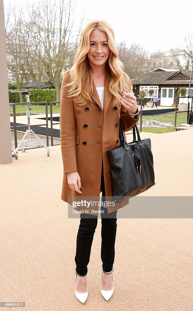 <a gi-track='captionPersonalityLinkClicked' href=/galleries/search?phrase=Cat+Deeley&family=editorial&specificpeople=202554 ng-click='$event.stopPropagation()'>Cat Deeley</a> arrives at Burberry Womenswear Autumn/Winter 2014 at Kensington Gardens on February 17, 2014 in London, England.