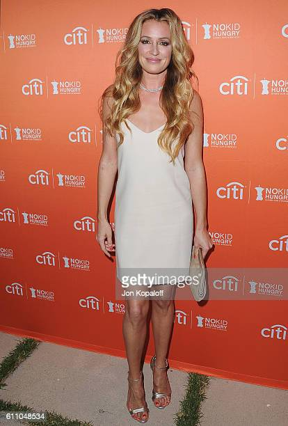 Cat Deeley arrives at the Los Angeles' No Kid Hungry Dinner on September 28 2016 in Los Angeles California