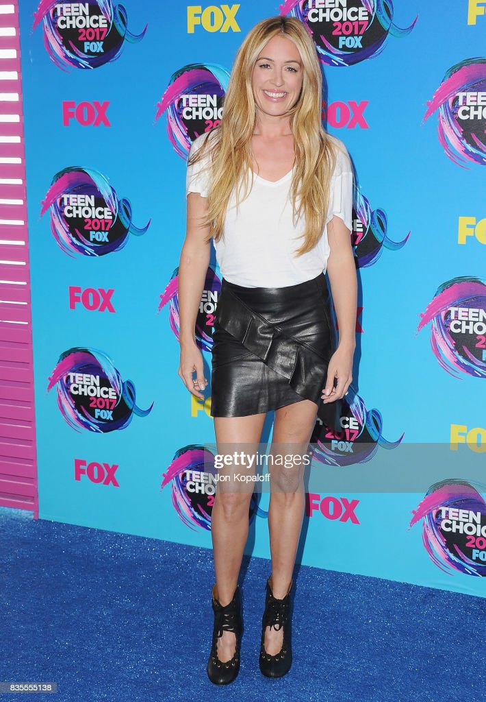 Cat Deeley arrives at the Teen Choice Awards 2017 at Galen Center on August 13, 2017 in Los Angeles, California.