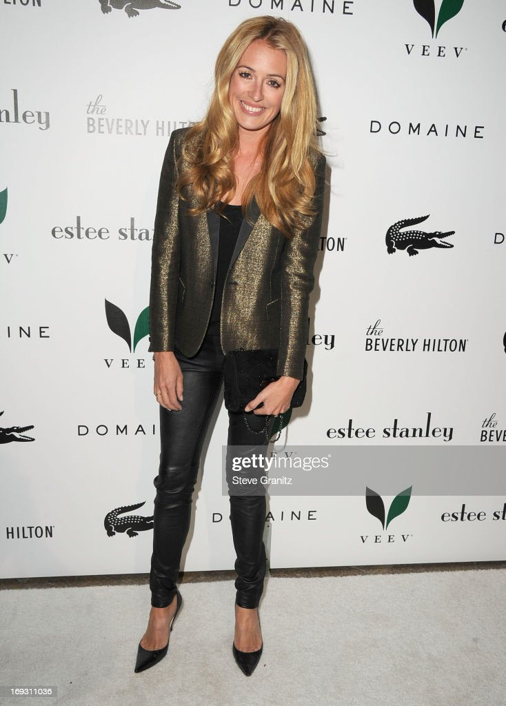 <a gi-track='captionPersonalityLinkClicked' href=/galleries/search?phrase=Cat+Deeley&family=editorial&specificpeople=202554 ng-click='$event.stopPropagation()'>Cat Deeley</a> arrives at the The Beverly Hilton Unveils Redesigned Aqua Star Pool By Estee Stanley at The Beverly Hilton Hotel on May 22, 2013 in Beverly Hills, California.