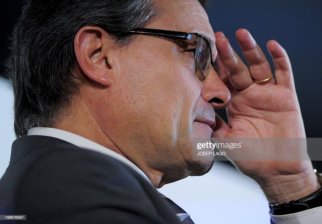 Catalan president and leader of the Catalan Convergence and Unity party (CiU), Artur Mas gestures during a press conference in Barcelona on November 26, 2012. Catalonia's fight for statehood and a historic divorce from Spain floundered today after a snap election left no single party in command. Mas' centre-right nationalist alliance, Convergence and Union, remained well ahead in the vote but its share of the 135 parliamentary seats plunged from 62 to just 50. AFP PHOTO / JOSEP LAGO