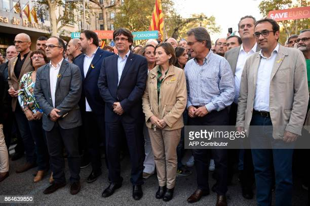 Catalan regional vicepresident and chief of Economy and Finance Oriol Junqueras Catalan regional president Carles Puigdemont president of the Catalan...