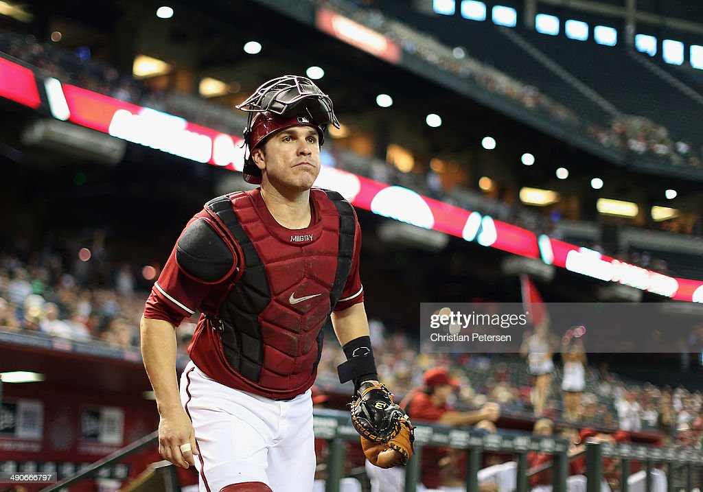 Catcher <a gi-track='captionPersonalityLinkClicked' href=/galleries/search?phrase=Miguel+Montero&family=editorial&specificpeople=836495 ng-click='$event.stopPropagation()'>Miguel Montero</a> #26 of the Arizona Diamondbacks takes the field before the MLB game against the Washington Nationals at Chase Field on May 14, 2014 in Phoenix, Arizona. The Nationals defeated the Diamondbacks 5-1.