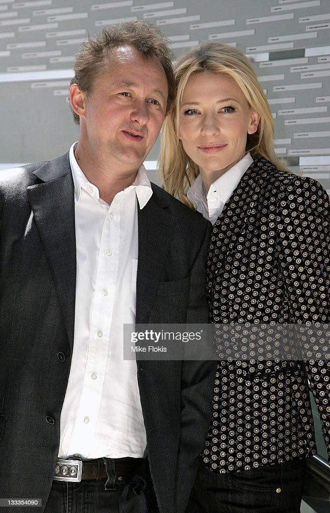 Cate Blanchett & Andrew Upton Launch Sydney Theatre's New ... Cate Blanchett Husband