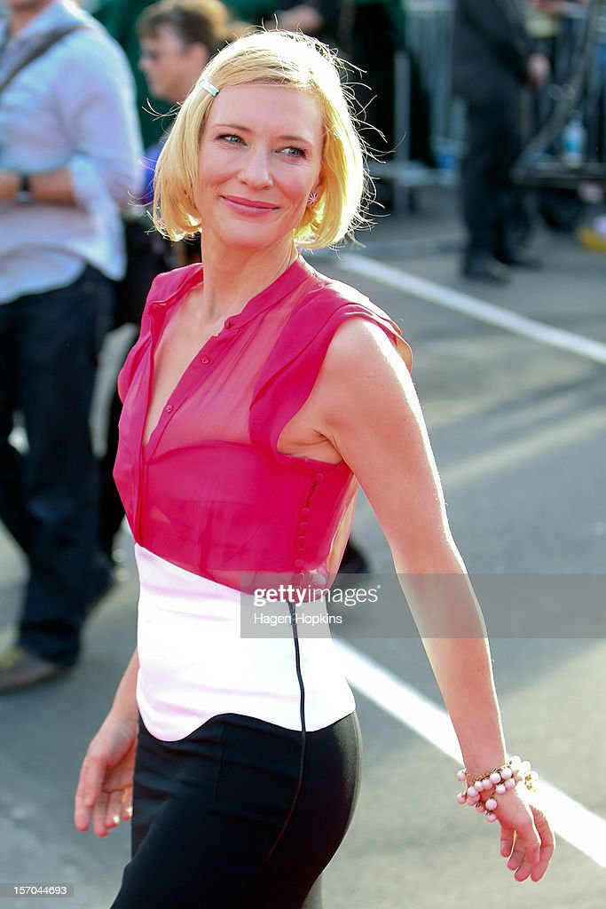 Cate Blanchett arrives at the 'The Hobbit: An Unexpected Journey' World Premiere at Embassy Theatre on November 28, 2012 in Wellington, New Zealand.