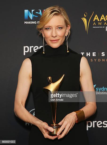 Cate Blanchett poses with the AACTA Longford Lyell Award during the 5th AACTA Awards at The Star on December 9 2015 in Sydney Australia