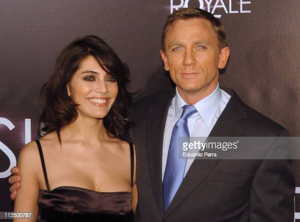 Caterina Murino and Daniel Craig during 'Casino Royale' Madrid Premiere Arrivals in Madrid Spain