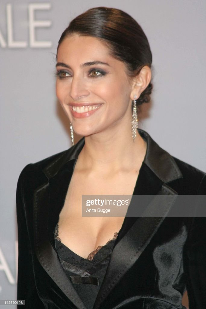 <a gi-track='captionPersonalityLinkClicked' href=/galleries/search?phrase=Caterina+Murino&family=editorial&specificpeople=619334 ng-click='$event.stopPropagation()'>Caterina Murino</a> during 'Casino Royale' Berlin Premiere - November 21, 2006 in Berlin, Berlin, Germany.