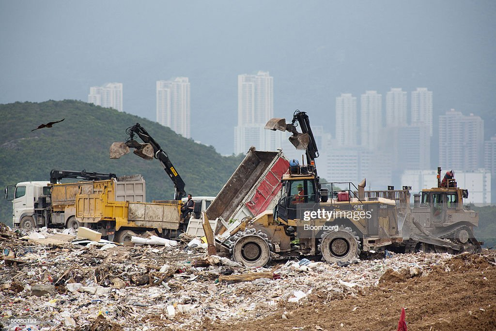 landfill in hong kong Hong kong, aug 3 (xinhua) -- a wartime bomb was disposed of at a landfill site by police in china's hong kong special administrative region on friday no casualties were reported in the operation and about 200 people have been evacuated, according to the police the bomb, one meter in length, was .