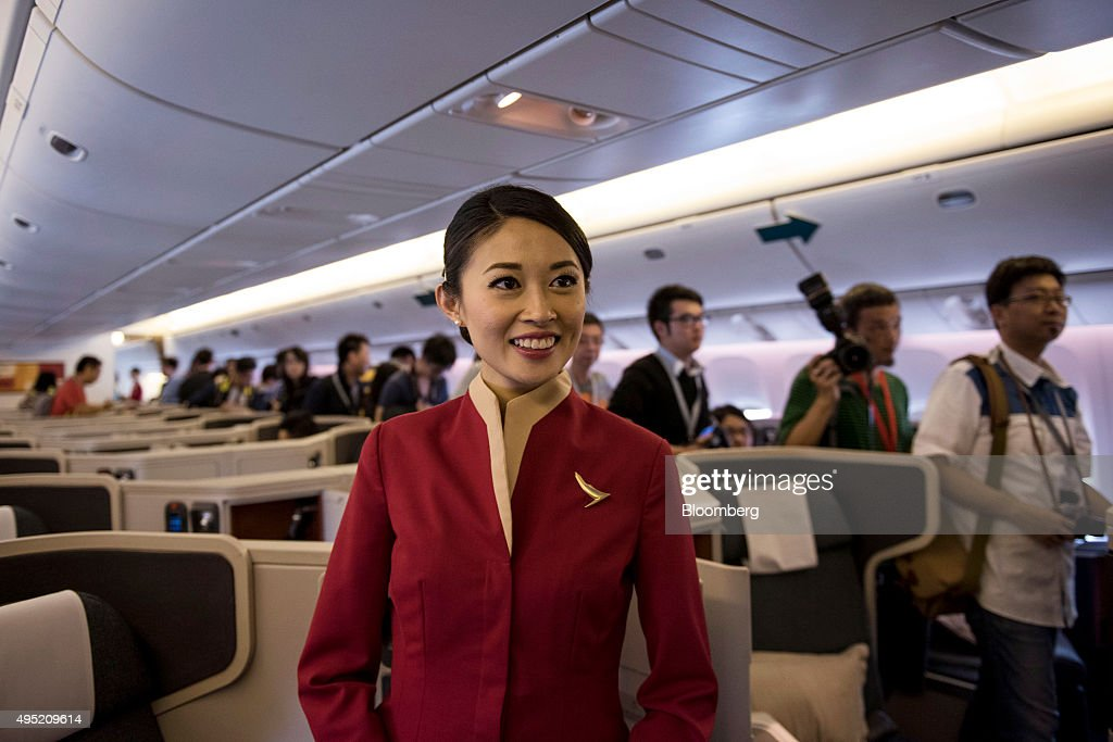 Tour Of A Cathay Pacific Airways Ltd.'s Boeing Co. 777-300 ...