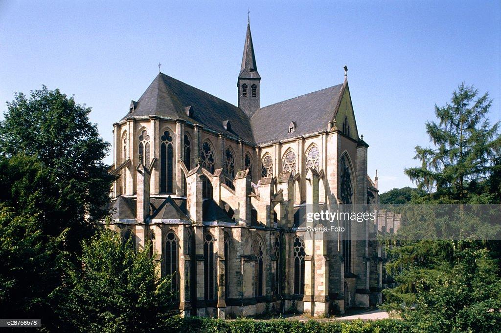 Bergisch Gladbach - Katholische Kirche St. Severin Sand