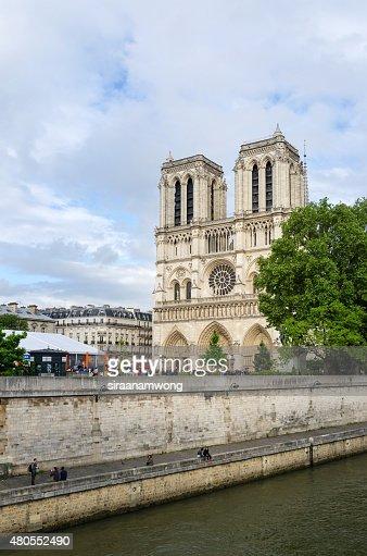 Catedral de Notre Dame en París : Foto de stock