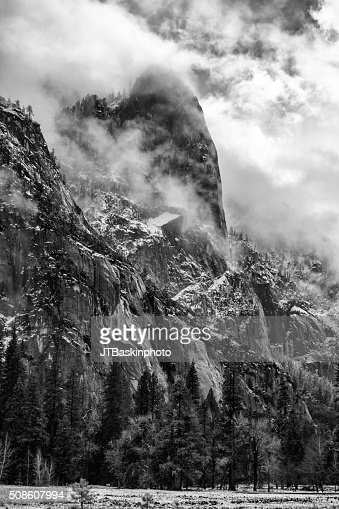 Cathedral Rocks from Yosemite Valley : Stock Photo