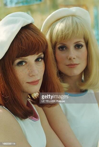 Catherine And Francoise The Ladies Of Rochefort Françoise DORLEAC la rousse et Catherine DENEUVE la blonde les deux soeurs héroïnes du film 'Les...