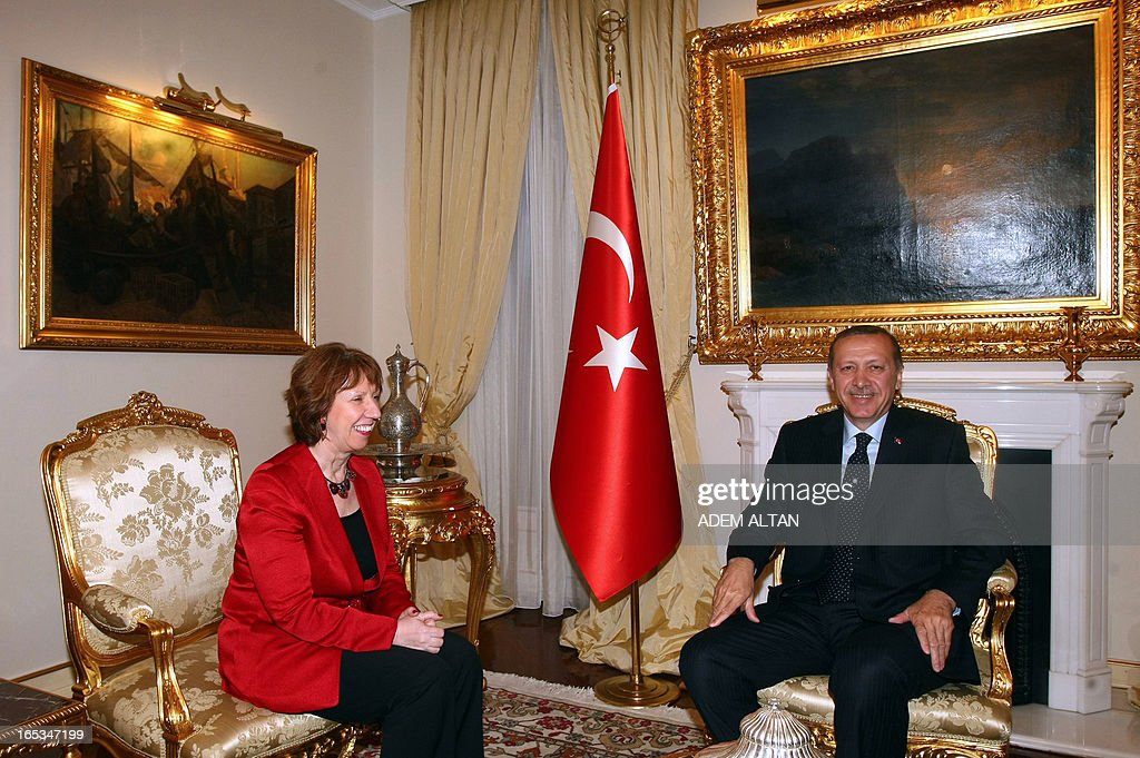 Catherine Ashton, the EU's foreign affairs chief, (L), speaks with Turkish Prime Minister Recep Tayyip Erdogan during a meeting in Ankara, on April 3, 2013.